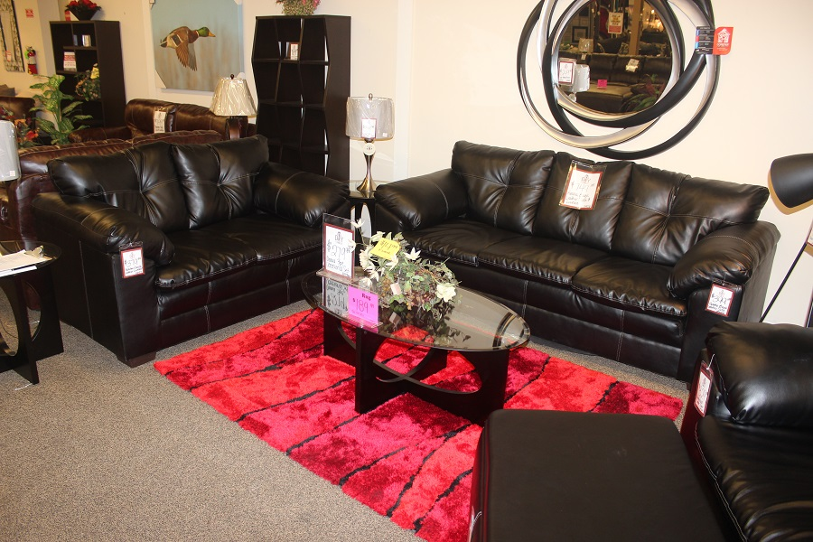 Apache Black Leather Sofa & Loveseat Set