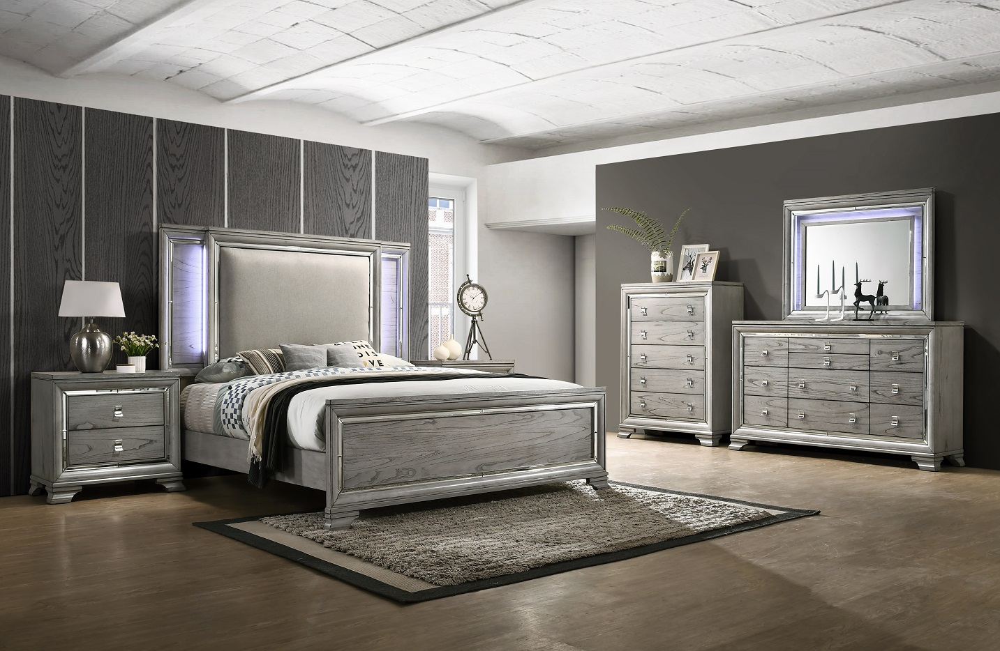Bedroom Sets.Veneer Light Grey 4 Piece Queen Bedroom Set